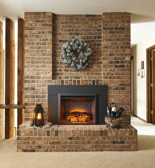 Holiday Fireplace Mantel Decorating Ideas | The Outdoor ...