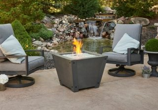 axel gas fire pit with flame