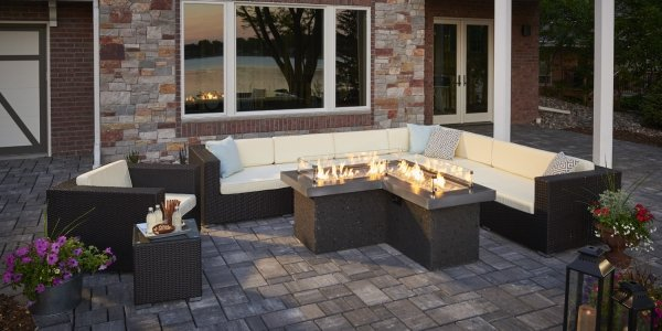 Pointe Gas Fire Pit Table